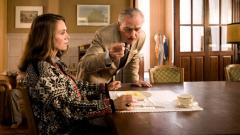 Emma Blank e Haneveld in una scena del film